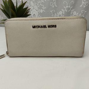 Michael Kors Full Zip White Wallet